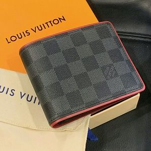 Men's black LV wallet